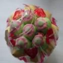 Bouquet de fleurs en bonbons orange/vert fleurs rouges