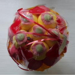 Bouquet de fleurs en bonbons rouge/orange fleurs rouges