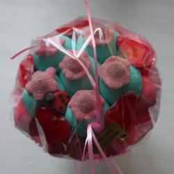 Bouquet de fleurs en bonbons rouge/bleu fleurs rouges