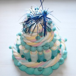 Pièce montée de bonbons Milk-Shake baby blue