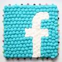 Logo Facebook en bonbons