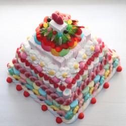 """Pièce montée de bonbons """" Pyramide des douceurs """""""