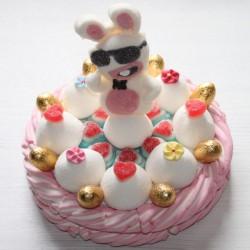 """Gâteau de bonbons Pâques """" Lapin crétin """""""